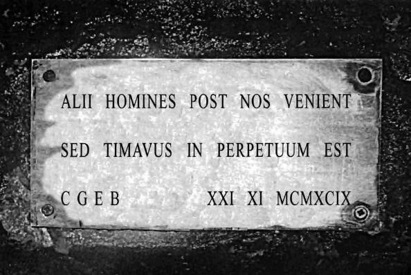 c4269da4e2f Targa ricordo in Caverna Medeot (foto L. Comello)